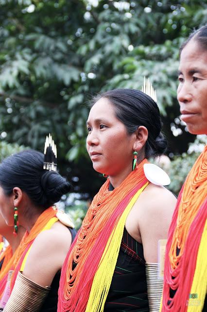 khiamniungan-women- traditional-attire-ornaments