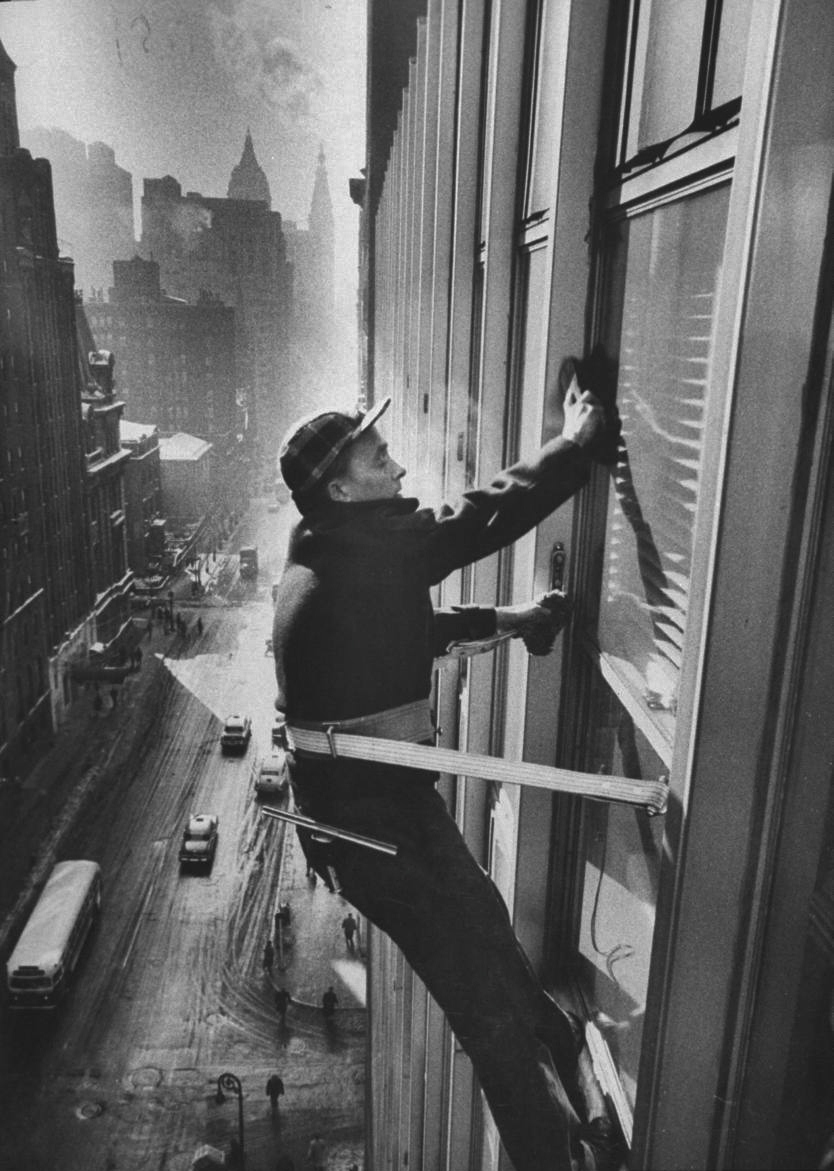 40 Amazing Historical Pictures - Window Cleaners Cleaning High Rise on Madison Avenue. 1957