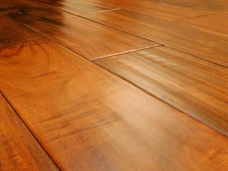 cairan-pembersih-lantai-kayu.jpg