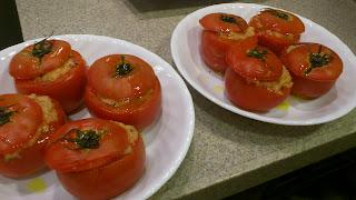6.トマトの詰め物_料理教室風写真