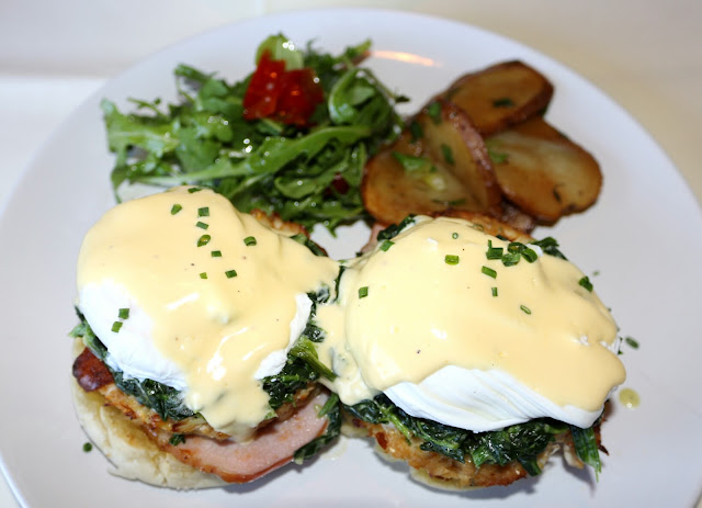 Moshulu Brunch - Crab Cake Eggs Benedict