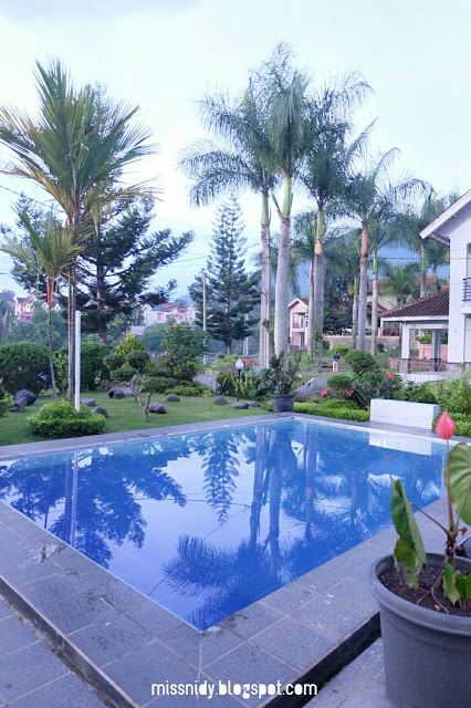villa dengan kolam renang murah di puncak