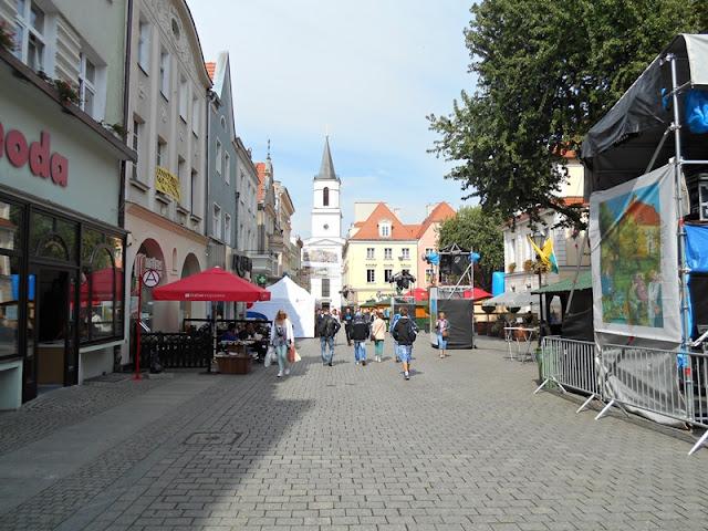 Zielona Góra, ulica, budynki, bruk