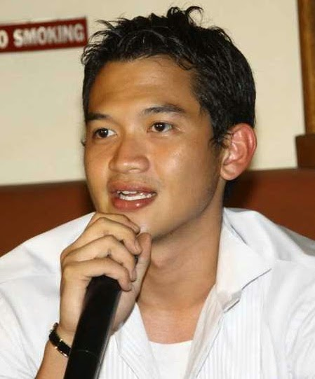 Rezky Aditya photo