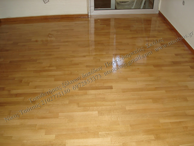 Τρίψιμο και συντήρηση σε δρύινο ξύλινο πάτωμα
