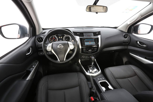 Nova Nissan Frontier 2018 - interior