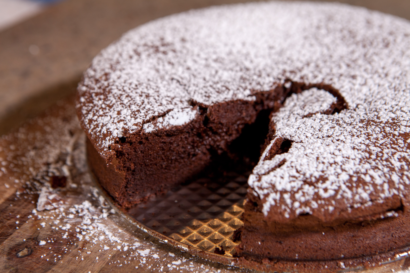 Flourless Chocolate Cake [Cooking Video] - Lake Shore Lady