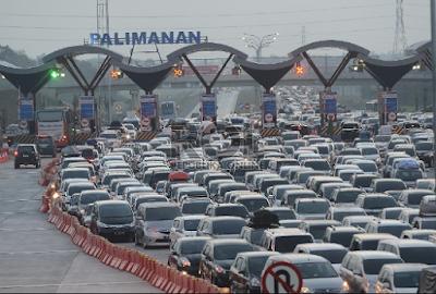 Ulasan Artikel tentang solusi kemacetan lalu lintas..agar tidak terjadi kemacetan..pendapat kemacetan.layanan Bhinneka shuttle.PT Bhinneka Sangkuriang Transport