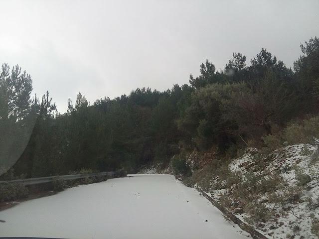 Ηγουμενίτσα: Μαγευτική διαδρομή με αμάξι, στο χιονισμένο Τσιπουρίκι (ΒΙΝΤΕΟ)