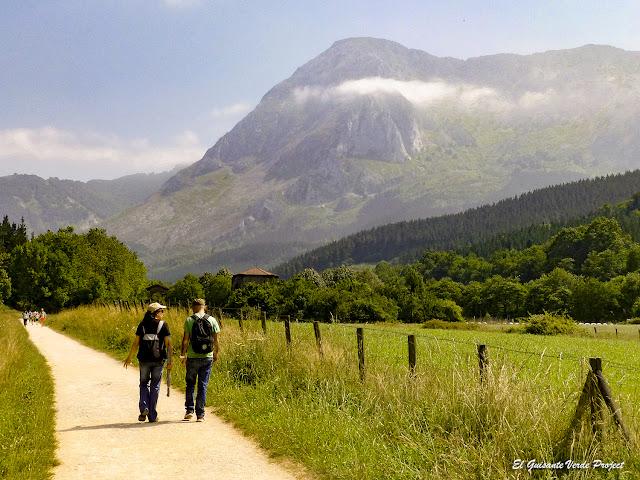 Via Verde de Arrazola en el Valle de Atxondo por El Guisante Verde Project
