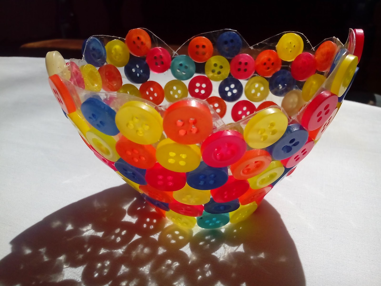 Art and craft ideas for kids using recycled materials for Make any item using waste material