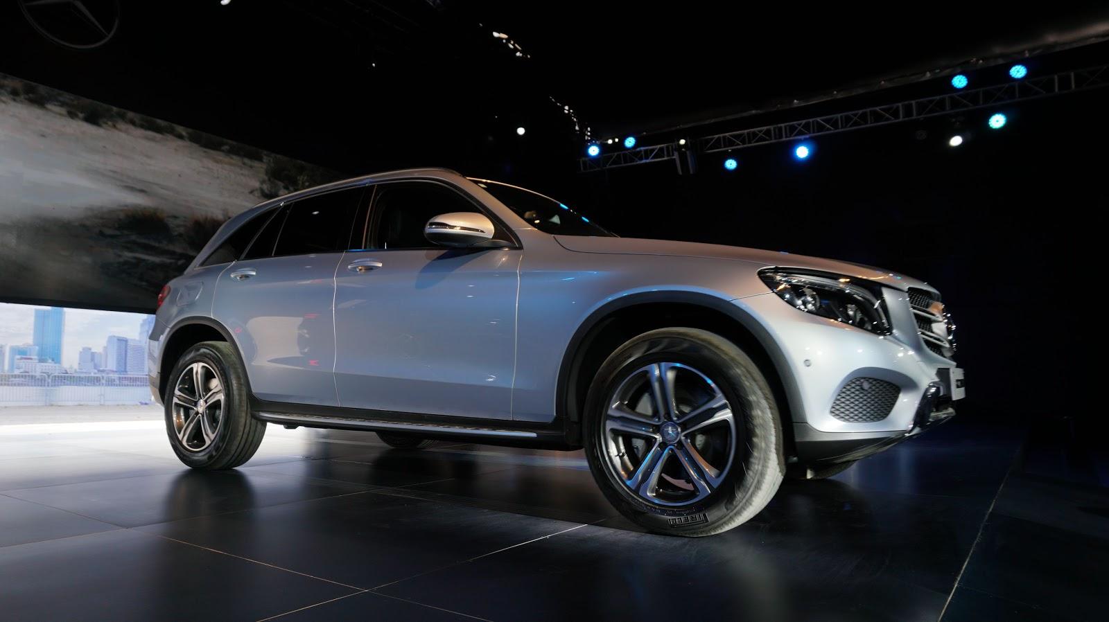Với mức giá chỉ ngang với chiếc Ford Everest 2016 bản Platinum, giá nhẹ vào khoảng 1,7 tỷ hơn