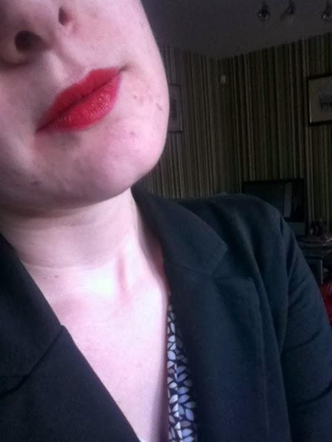 Oriflame Giordani Gold Jewel Red Lipstick review