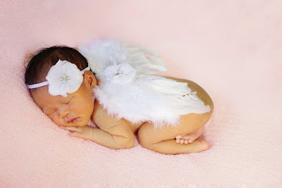 Baby born atau newborn photography