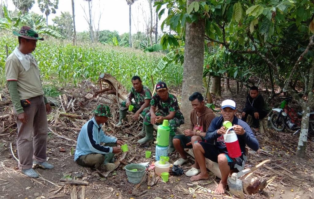 Sinergitas dan Kekompakan TNI-Rakyat di Lokasi TMMD ke 104 Terus Terbina. Ini Buktinya
