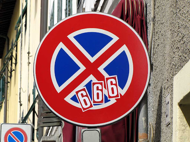 666 on a traffic sign, Livorno