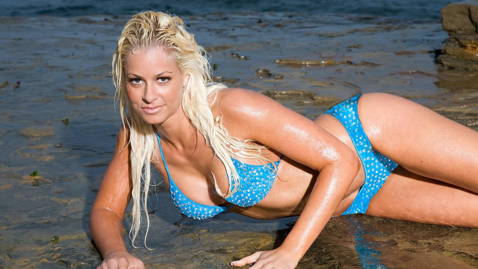 Maryse Ouellet Measurements: THE WOMEN OF WWE DIVAS! MARYSE (HOT!!) VS TRISH STRATUS