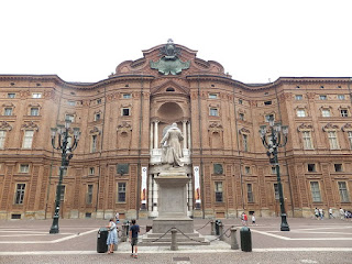 The front facade of Palazzo Carignano