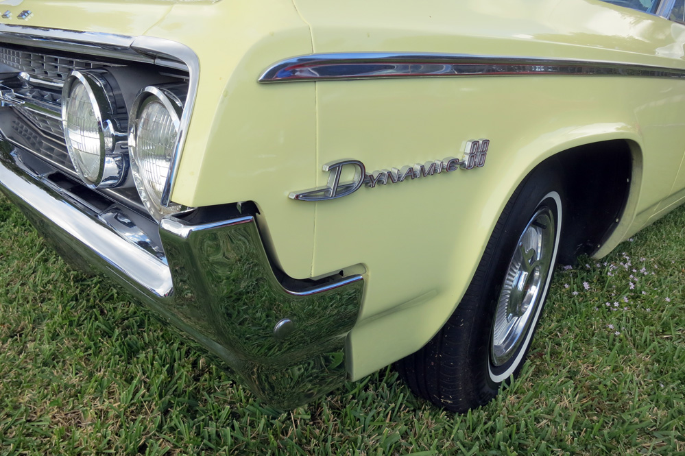Dynamic 88 name on car.