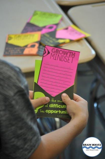 Students can create fun growth mindset writing prompt pockets.  Filled with their responses to growth mindset quotes, this writing activity is meaningful and creative!