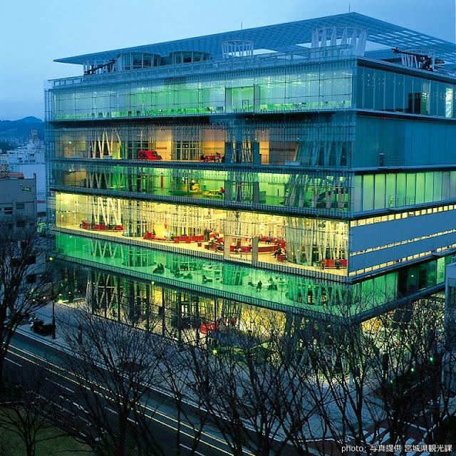 【仙台媒體中心】建築大師伊東豊雄操刀 關於新世紀圖書館的想像