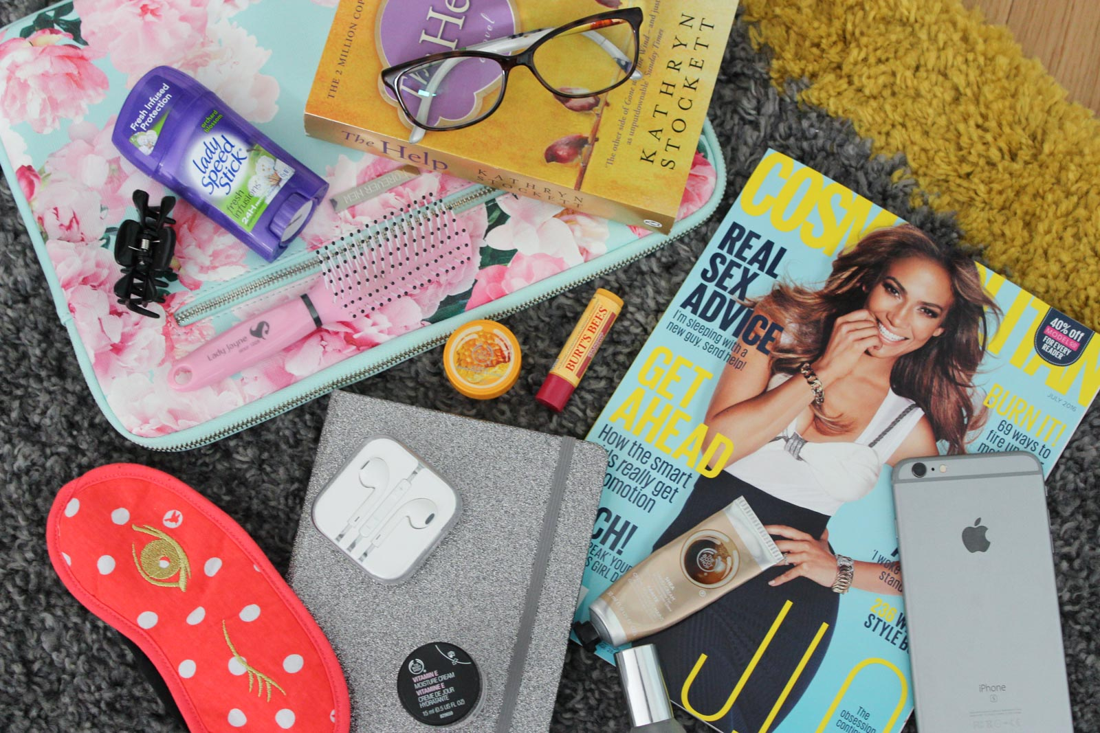 Long Haul Flight Essentials / What's In My Carry On?   Cate Renée