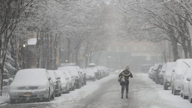 Αλυσίδες σε αρκετές περιοχές της Ελλάδας λόγω χιονόπτωσης