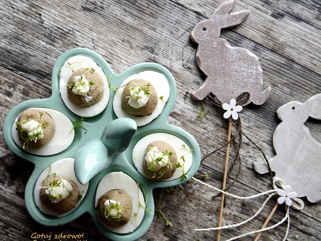 Jaja faszerowne sardynkami - Czytaj więcej »