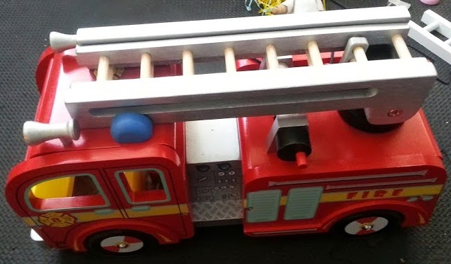 Le Toy Van Wooden Fire Engine
