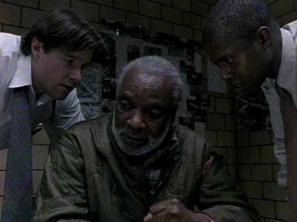 Andre Braugher and Kyle Secor in Homicide: Life on the Street