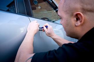Vehículo cerrado con las llaves dentro - Servicio de cerrajería