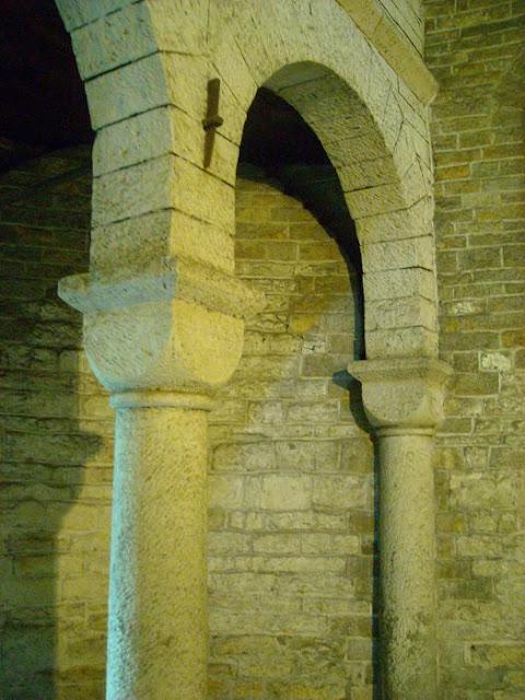 XI wieczna piastowska rotunda w Cieszynie - zrekonstruowana empora