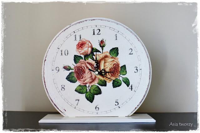 Zegar w stylu retro.