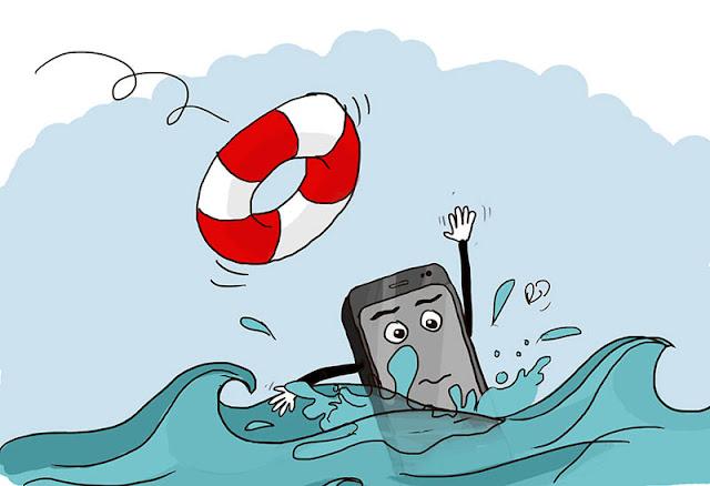 سقوط الهاتف في الماء