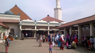 Masjid Keramat Luar Batang, Tolak Pemberian sapi Qurban dari Ahok