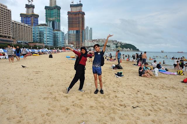 KOREA BUSAN HAEUNDAE BEACH CURITAN AQALILI
