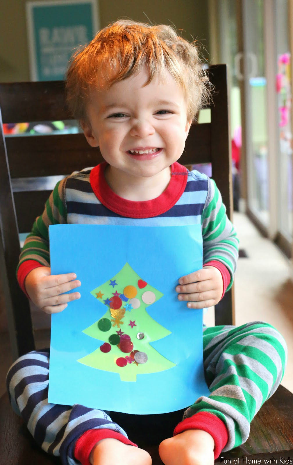 Toddler Christmas Tree Craft.Easy Winter Toddler No Glue Christmas Tree Craft