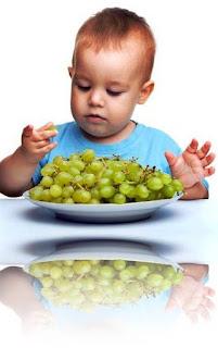 Copiii cu varsta sub 5 ani se pot ineca struguri sau alte alimente cu forme similare