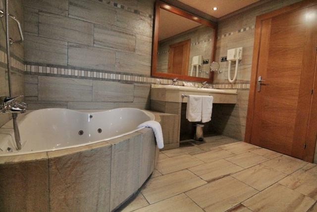 Cuarto de baño del Hotel Antequera Golf