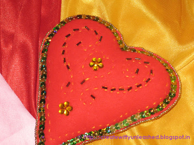 Embroidered Valentine Felt heart4