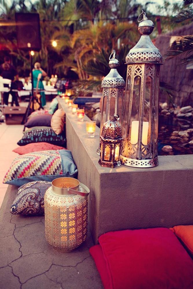 Lanterns, PIllows & Cushions via TobruckAve