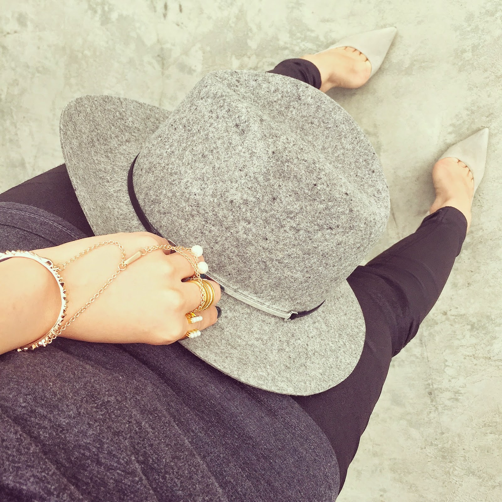 Janessa Leone Victoria hat, kendra scott yasmin bracelet, baublebar pearl ring, joes jeans, schutz heels, from where i stand, fashion blog