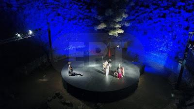 Μάγεψαν οι Βάκχες στο αρχαίο Θέατρο - Δέσμευση της εφορίας αρχαιοτήτων ότι το εγχείρημα θα επαναληφθεί