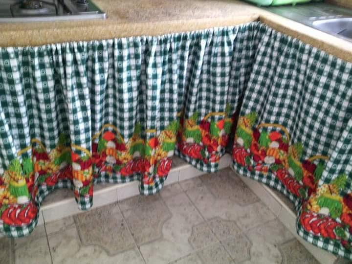 Cortinas para el mes n de la cocina for Cortinas para muebles de cocina