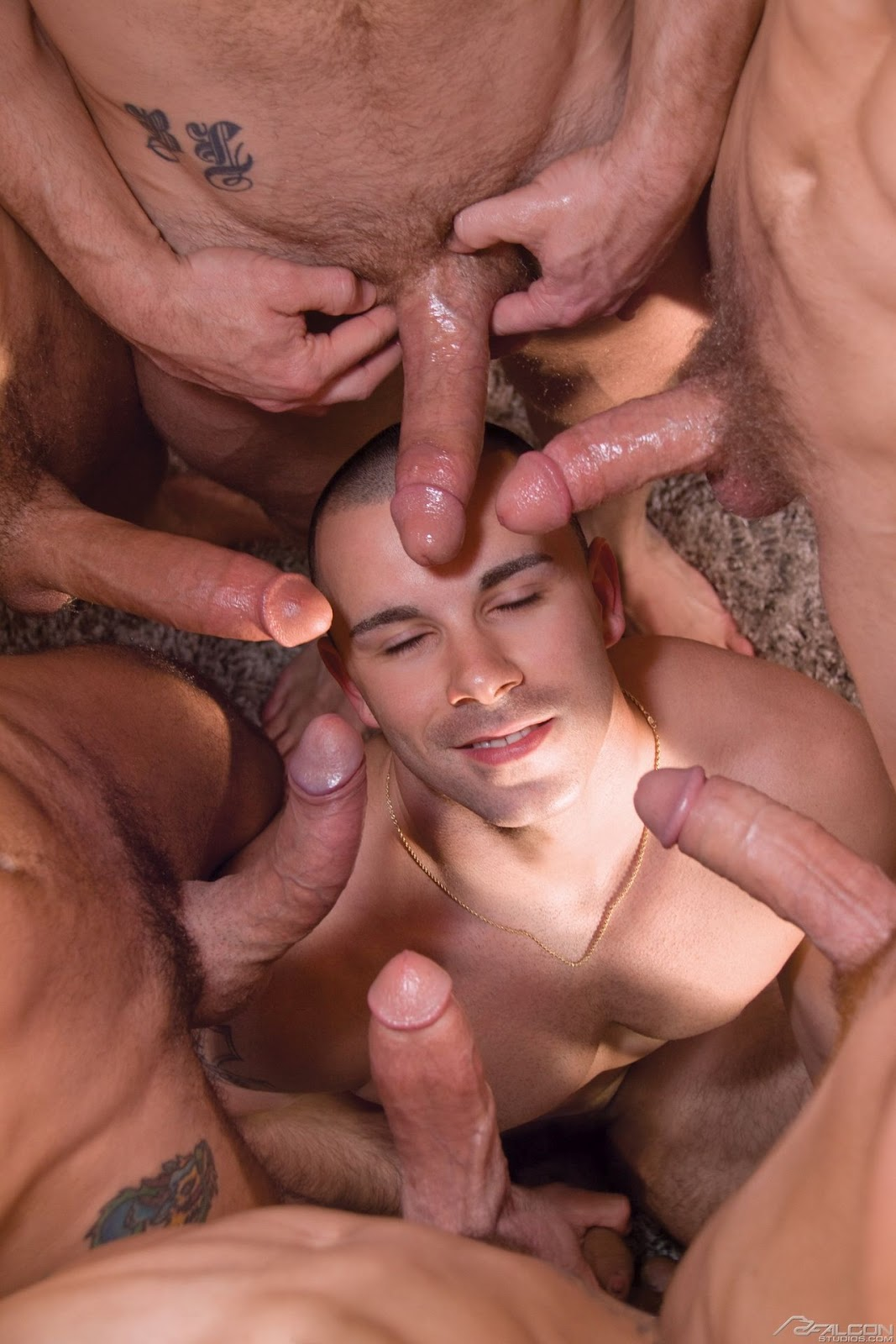Kinky sucking dick orgy gay