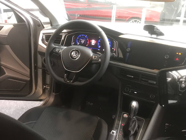 Novo VW Polo 200 TSI Automático Highline 2018 - painel