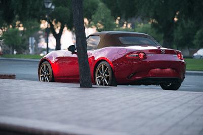 Red 2019 Mazda MX-5 Miata Roadster