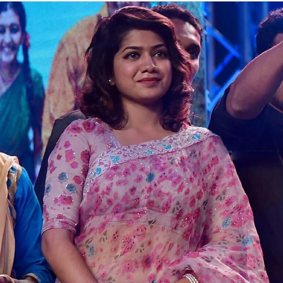 Anarkali Marikar: The Sweet Girl in Hot Saree!