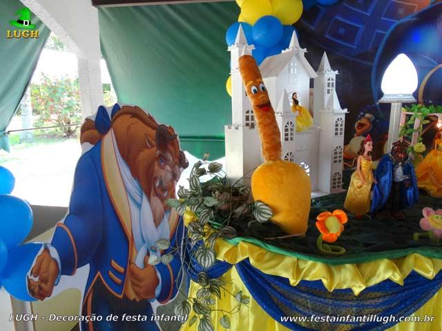 Decoração de festa A Bela e a Fera - Mesa temática do bolo de aniversário
