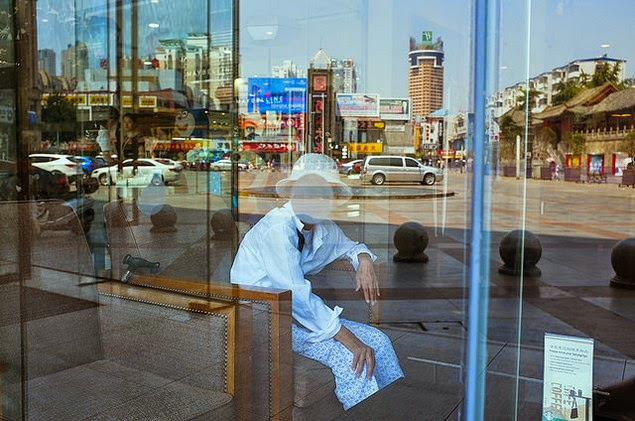 self taught street photographer tao liu china-14